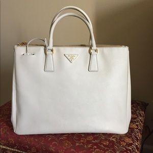 PRADA Galleria Large Saffiano Leather Bag